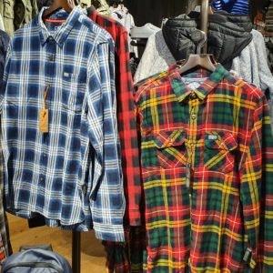 Karierte Hemden von Superdry in der Wintermode 2019 bei den MÜNSTER ARKADEN