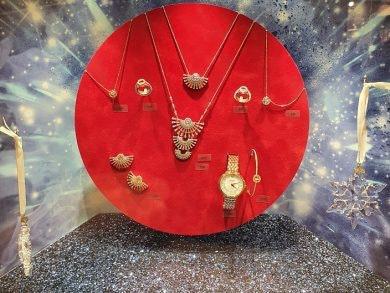 Geschenkideen zu Weihnachten wie Schmuck von Swarovski findet ihr in in den MÜNSTER ARKADEN